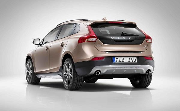Volvo V40 Fiyatı, Kullanıcı Yorumları, Teknik İncelemesi