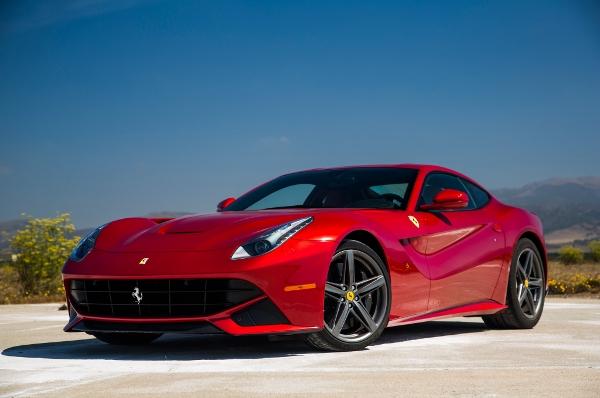 Efsane Olacak Ferrari: F12 Berlinetta