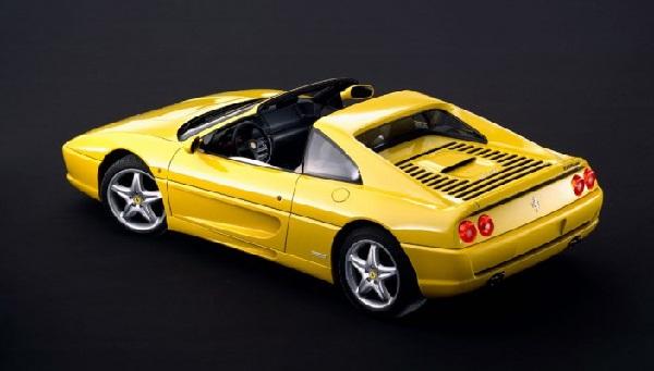 Ferrari F355 Herkesi Büyülüyor!