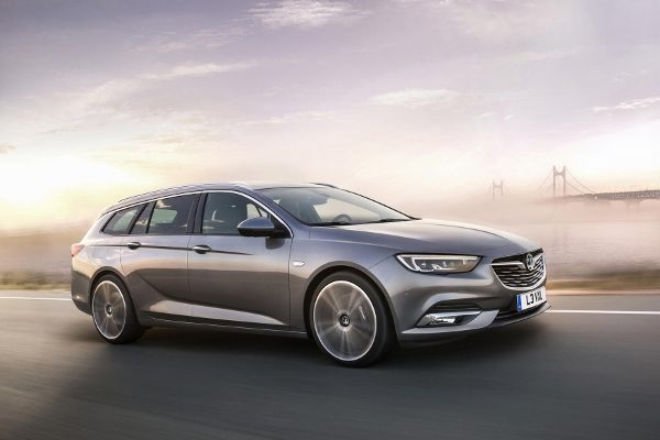 Yeni Opel Insignia Sports Tourer İncelemesi