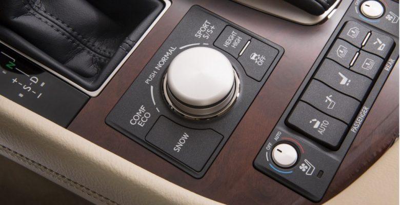 Modern Araçlardaki Elektronik Sistemler