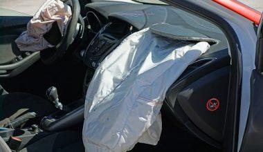 SRS Airbag (Hava Yastığı) Işığı Yanıyor ise Dikkat!