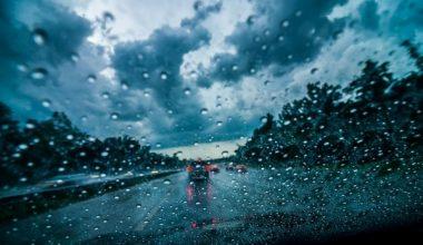 Yağmurda Araba Kullanırken Dikkat