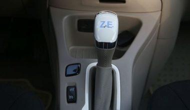 Frenle Şarj Olan Araba Renault Zoe ZE40