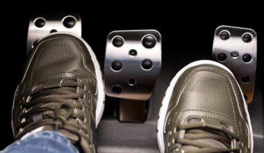 Araç Kullanırken Debriyaj Gaz Ayarı