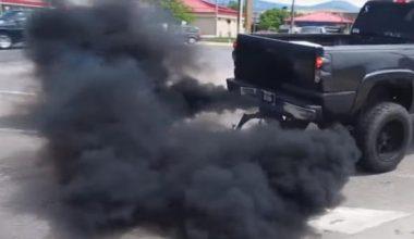 Benzinli Araçta Siyah Duman Neden Atar